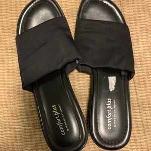 Black slip on sandals size 8W